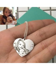 Photo Engraved Heart Pendant Necklace Gift for Mom