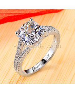 0.6 Carat Cushion Cut Diamond Engagement Ring for Her