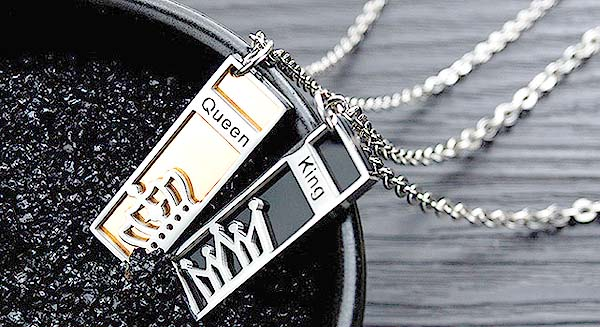Engraved couple necklaces